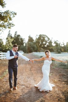 View More: http://ashleycookphotography.pass.us/murraywedding
